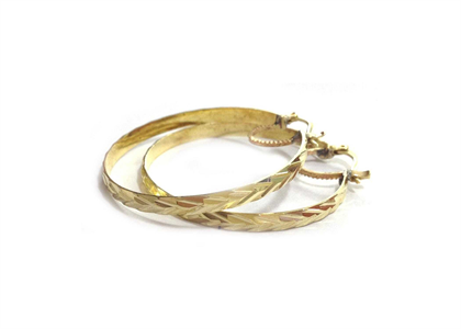 Diamond Cut Bangle Earring with Gold Plating